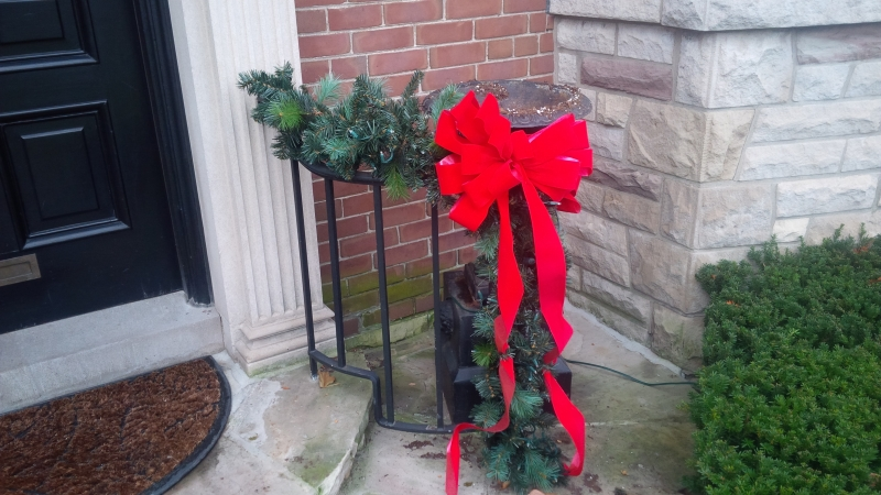 Small railing garland with bow