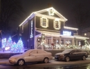 Locale Restaurant King City with old town traditional Christmas feel