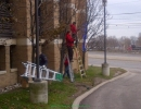 st-joes-hospital-toronto-christmas-decoration-installing-led-lighting-on-trees-by-lawnsavers
