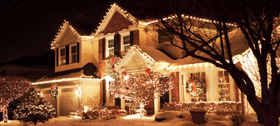 Whitchurch-Stouffville Christmas light installation services lawnsavers