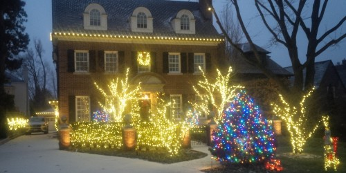 Merveilleux We Do Professional Christmas Decorating And Lighting For Torontou0027s Finest  And Most Festive Homes Across The GTA. If You Are Looking For A Christmas  Lights ...