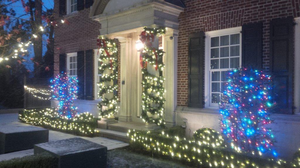 christmas light installation in brampton lawnsavers
